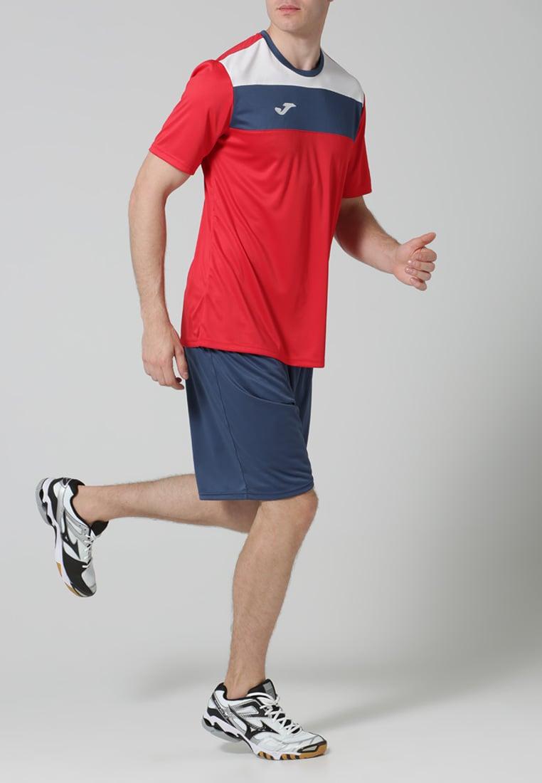 1.memakai Kaus Untuk Berbagai Jenis Olahraga