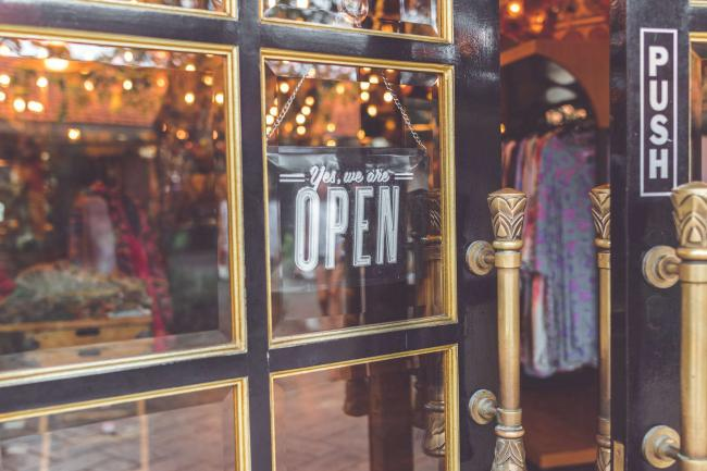 3. Contoh Bisnis Masa Kini